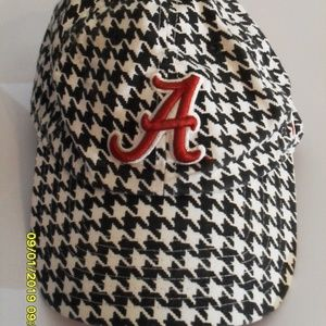 NIKE ALABAMA HOUNDSTOOTH BALL CAP ONE SIZE